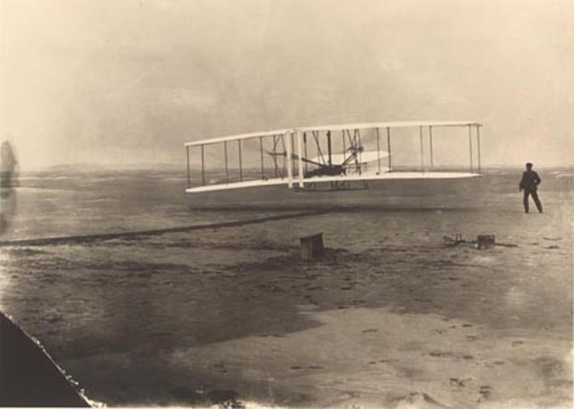 The first powered flght