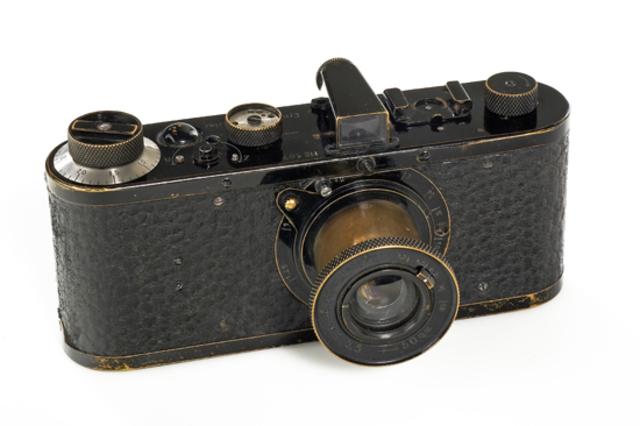 Le Leica 0