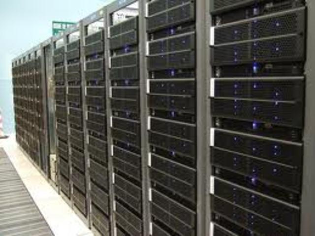 Primer  servidor de noms de llocs.