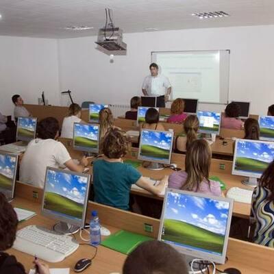 Nuestra Linea del tiempo: Educación y Nuevas Tecnologías timeline