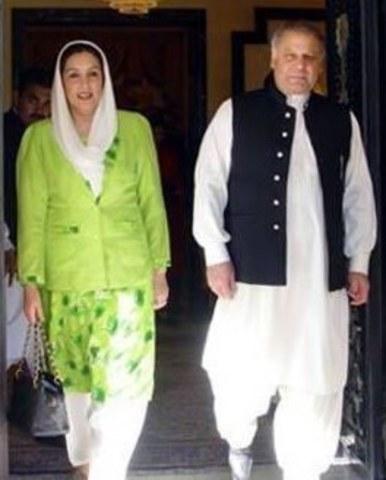 Nawaz Sharif governmissed dismissed by Ishaq Khan. Nenazir becomes PM again.