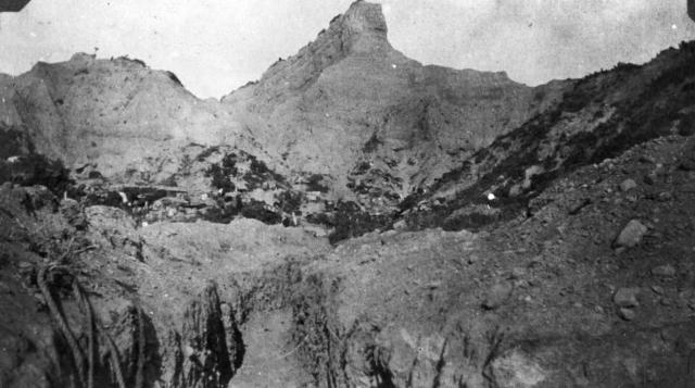5:15 ANZAC troops reach the top of the sphinx