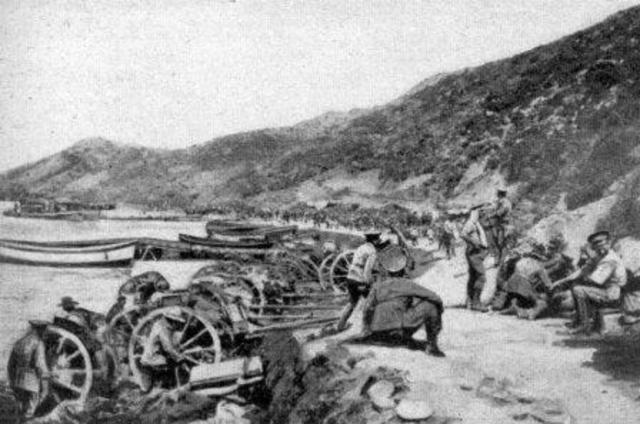 9:30 ANZACs hastily retreat but manage to hold off ottoman reinforcements while the ANZAc field guns are still on the beach.