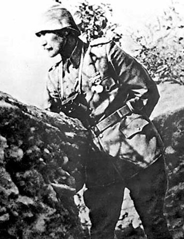 10:00 Kemal arrives at hill 971 which is been overrun by ANZACs