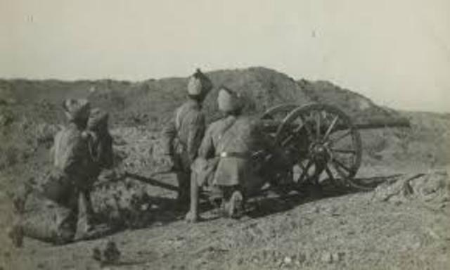 10:45 ANZAC Indian mountain battery unloads onto the beach