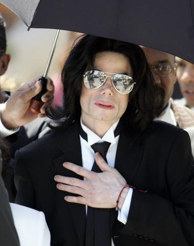 Michael Jackson faces new child sex charges