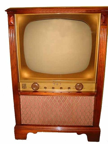 1961 Magnavox Model U302 TV