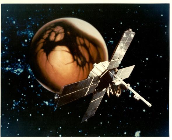 Mariner 4 returns close ranger images of Mars.