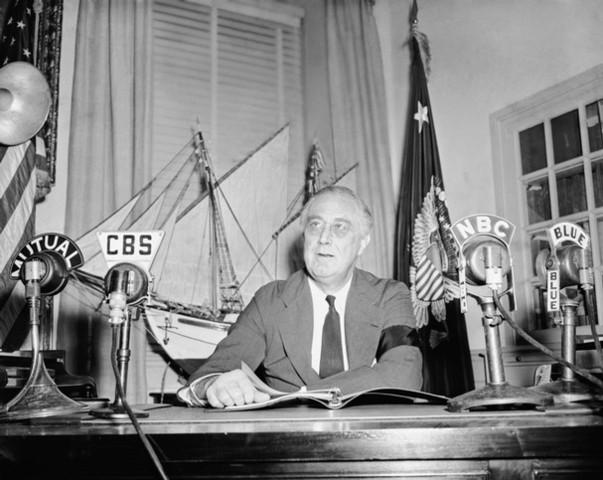 Roosevelt's Emergency Response to World War II