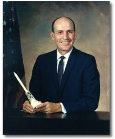 Jun. 6 -Astronaut Edward Givens is killed
