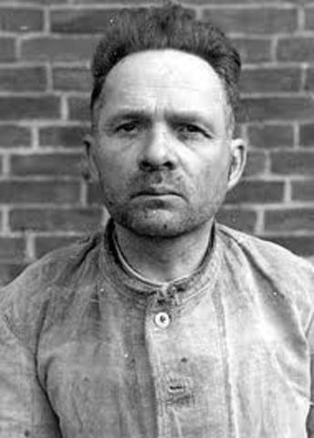 Rudolf Höss is removed from Auschwitz