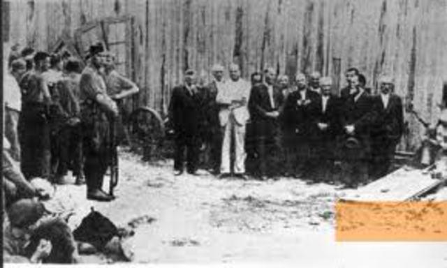 The Sonderkommandos at Auschwitz stage a revolt,