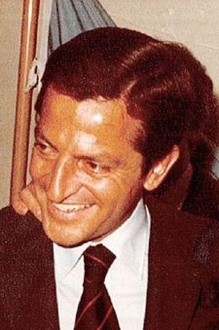 El rey nombra a Alfonso Suárez,lider de la UCD,como president.e del gobierno