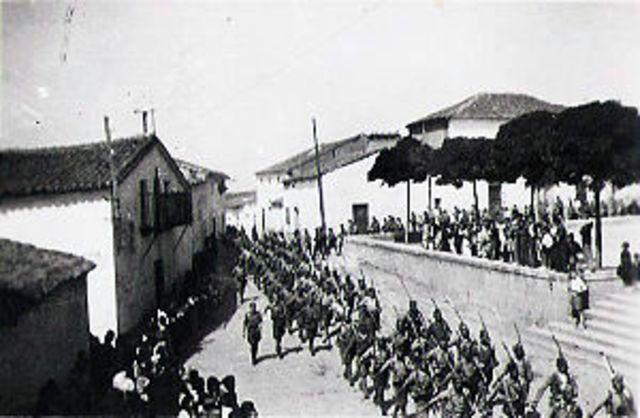 El general Francisco Franco da un golpe estado y comienza la guerra Civil española.