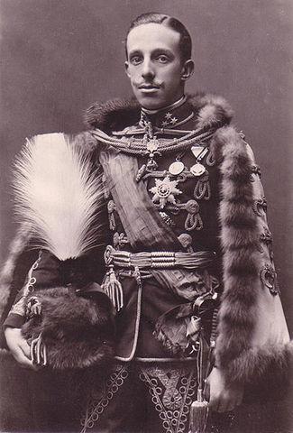 Alfonso XVIII accede al trono de España