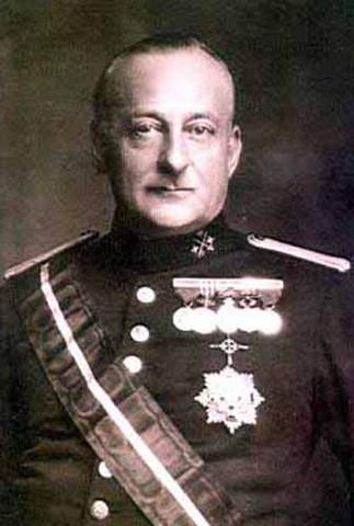 El general Prmo de Rivera da un golpe de Estado y comienza una dictadura