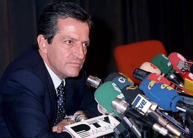 La UCD, con Adolfo Suárez al frante gana las elecciones generales