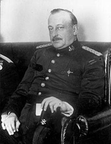 El general Primo de Rivera dimite.