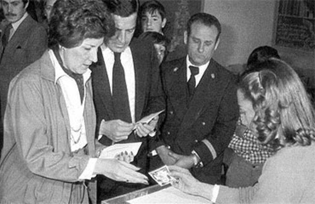 SE CELEBRAN LAS PRIMERAS ELECCIÓNES DEMOCRÁTICAS EN ESPAÑA DESDE 1936