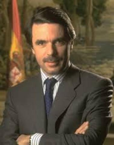 EL PP, CON JOSE MARIA AZNAR AL FRENTE, GANA LAS  ELECCIONES GENERALES.