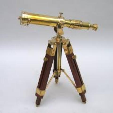 Va construir un telescopi. Després va fer tots els seus concert en esdeveniments estronomics.