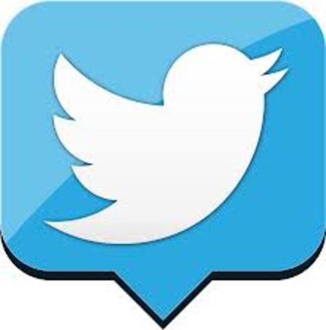 Se crea Twiter