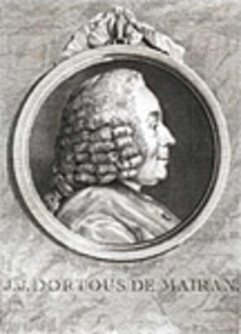 Publication des Mémoires historiques et politiques sa première œuvre d'historien.