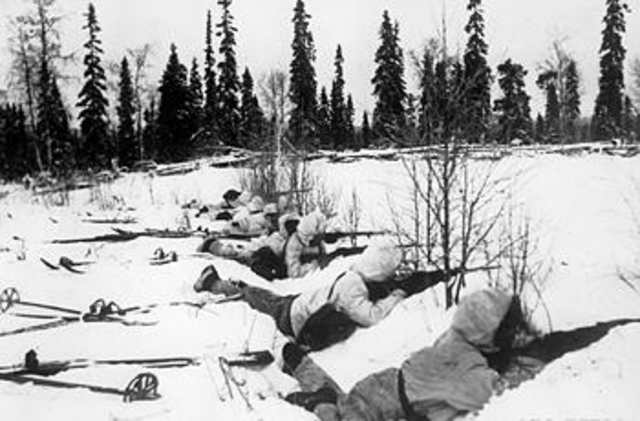 Staline attaque la Finlande