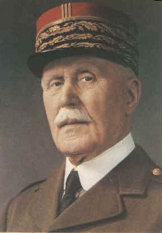 Pleins pouvoirs au Maréchal Pétain
