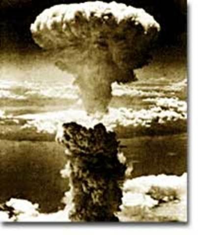 US Bombs Hiroshima, Japan