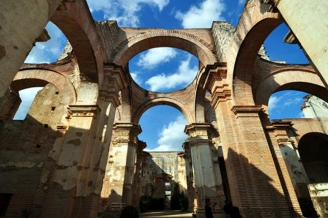 Colocación de la Primera Piedra de la Catedral de Santiago.