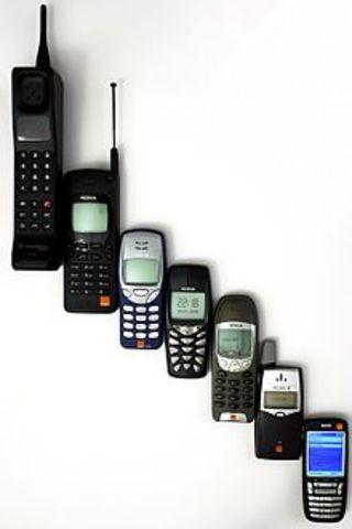 TELÉFONO CELULAR