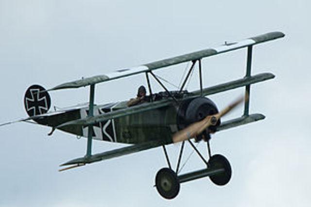 Fokker Dr.1 - Invention