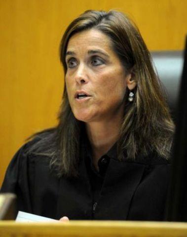 Judge rules against Vallas