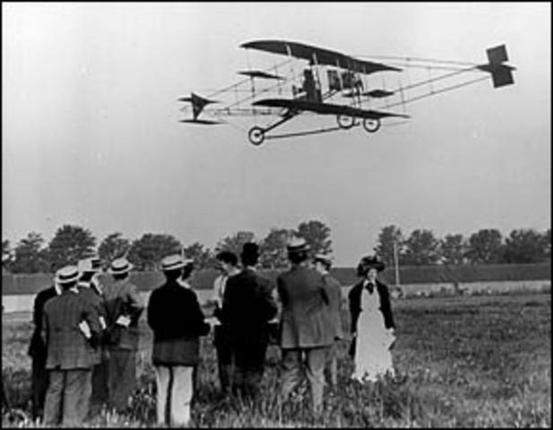 Glenn Curtiss wins Scientific American Trophy
