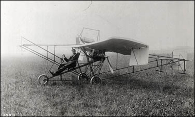 First American monoplane is built