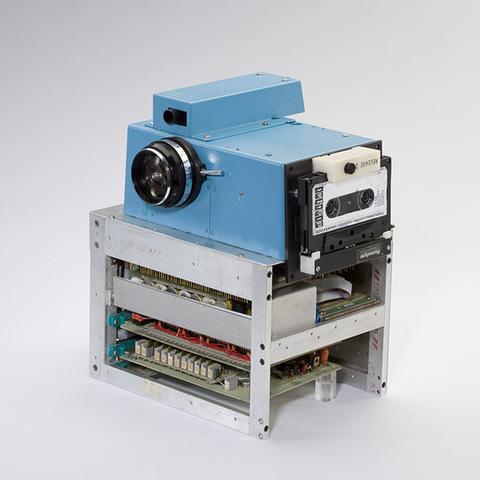 The world's first digital camera