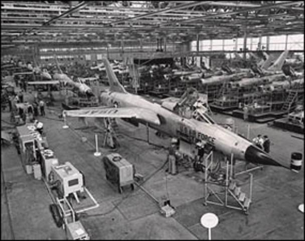First test flight of Republic F-105.