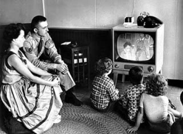 el presidente Rojas inauguró la televisión en Colombia