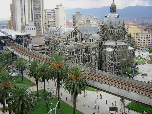 Francisco de Herrera Campuzano funda San Lorenzo de Aburrá
