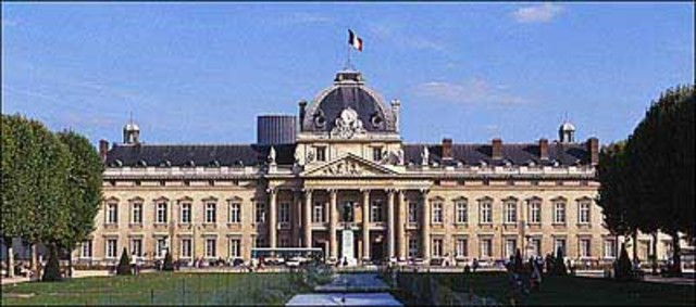 Napoleon has left Brienne and arrives in Paris, to attend the Ecole Militaire