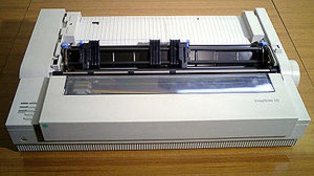 Primera impresora de matriz de puntos