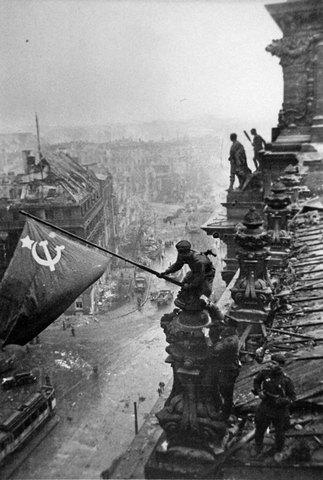 Evgueny Kaldhei - Reichstag (photo originale non retouchée)