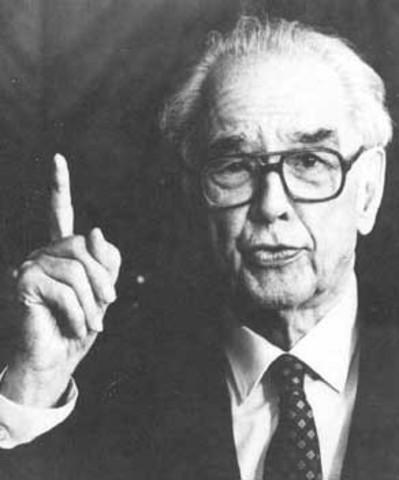 En 1938 John Atanasoff y Cfford Berry construyeron la primera maquina de Calcular digital, la terminaron en 1942