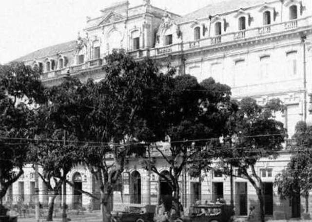 El primer hotel estadounidense, el City Hotel.