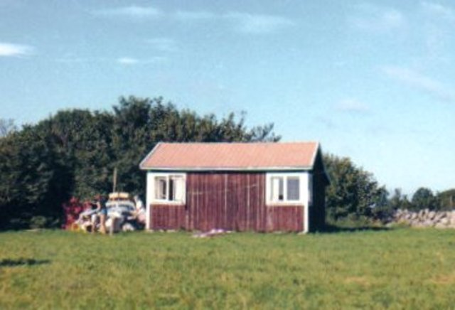 Buys summer cottage on northern Öland