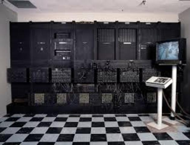 SE CONSTRUYE LA ENIAC