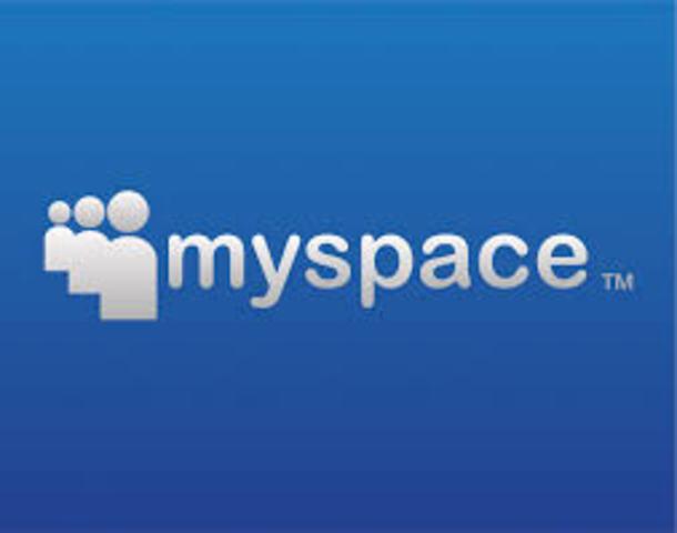 Nace el MySpace