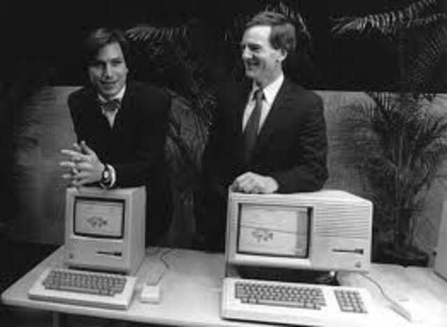 Bill Gates y John Sculley CEO de Apple