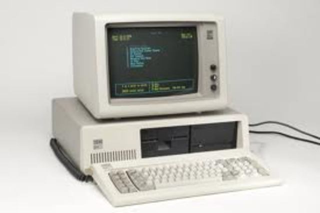 IBM lanza la computadora personal